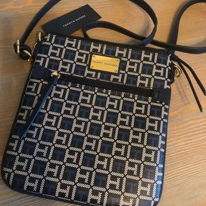 NEW Tommy Hilfiger Leather Crossbody Purse